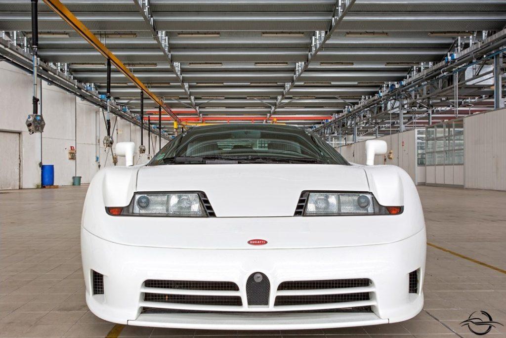 Bugatti EB110 front