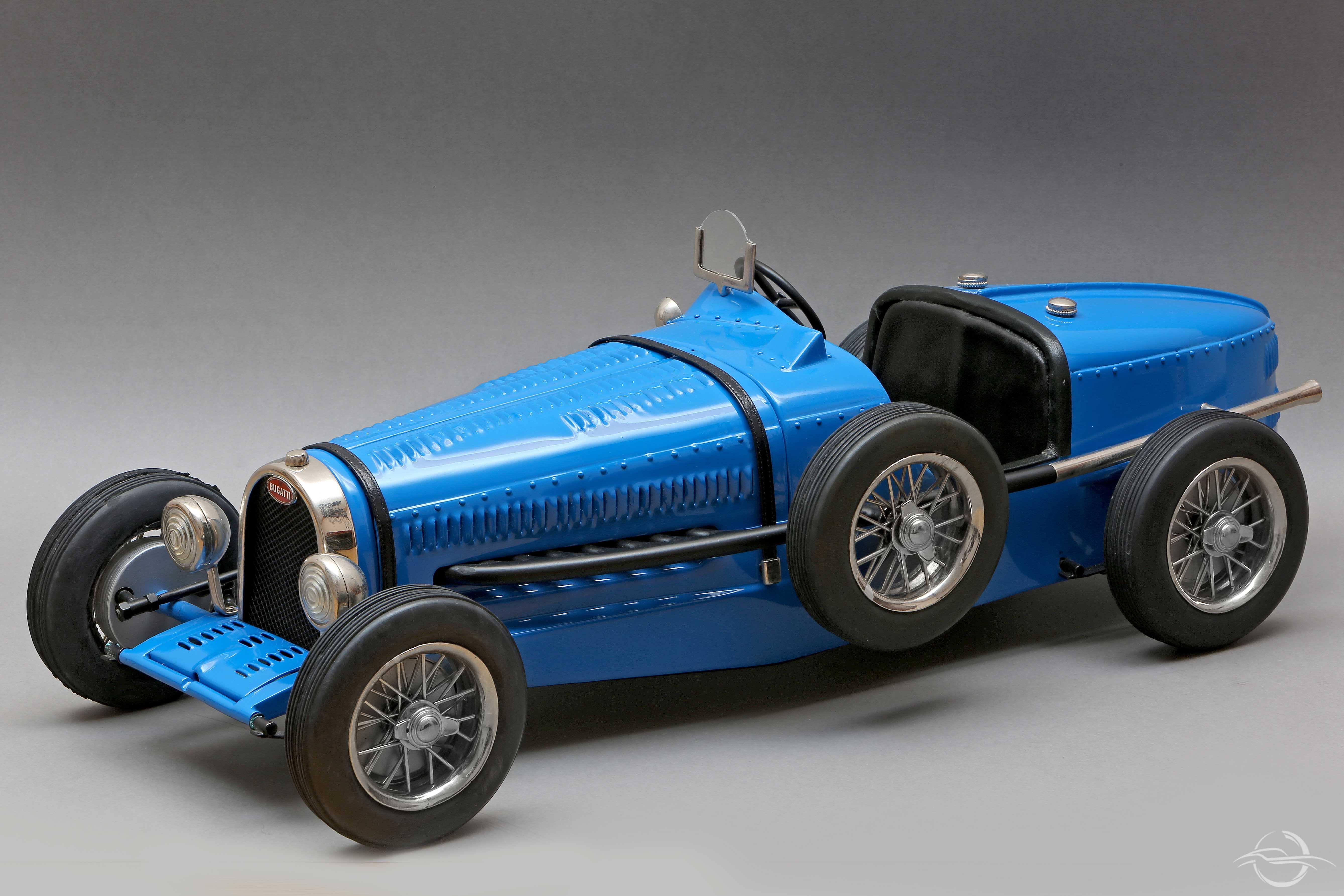 Bugatti blu intera 1