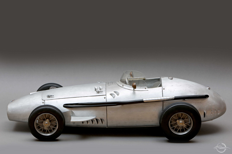 Maserati grigia intera