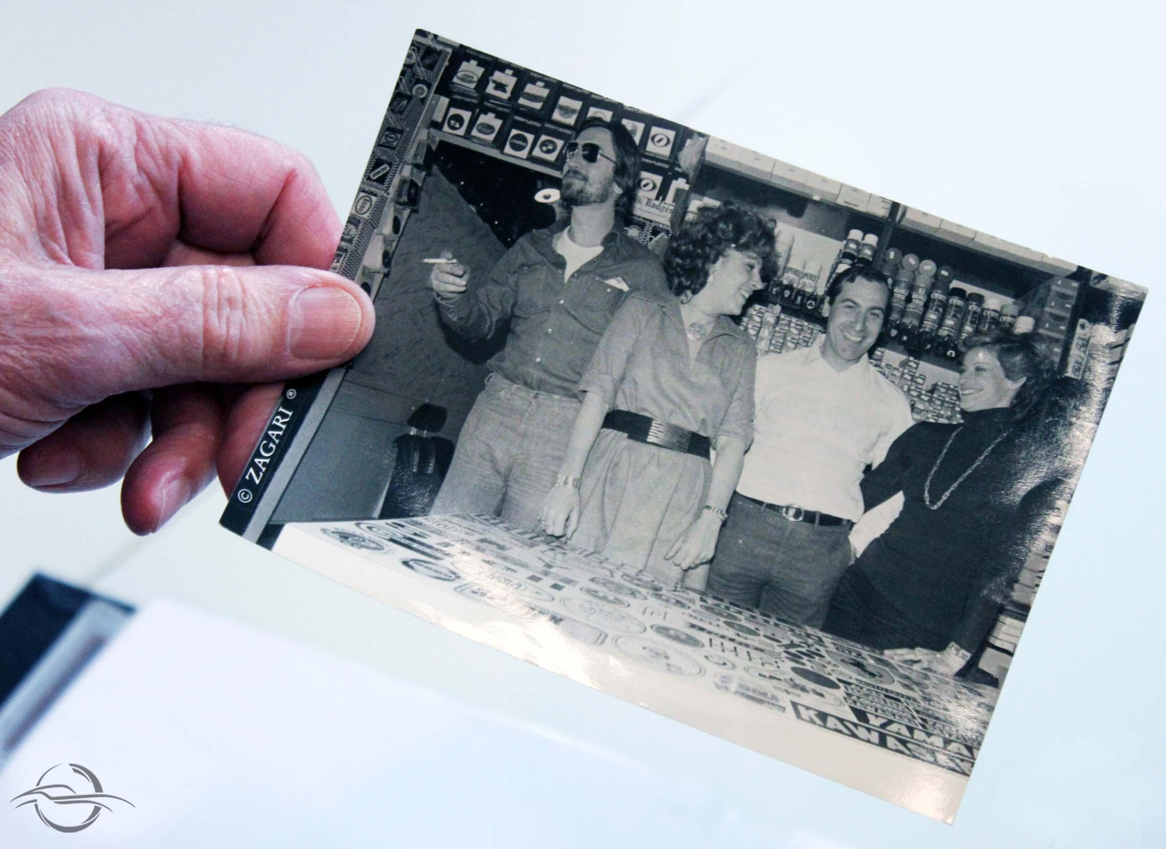foto di gruppo con Giorgio Nada e Mario Acquati