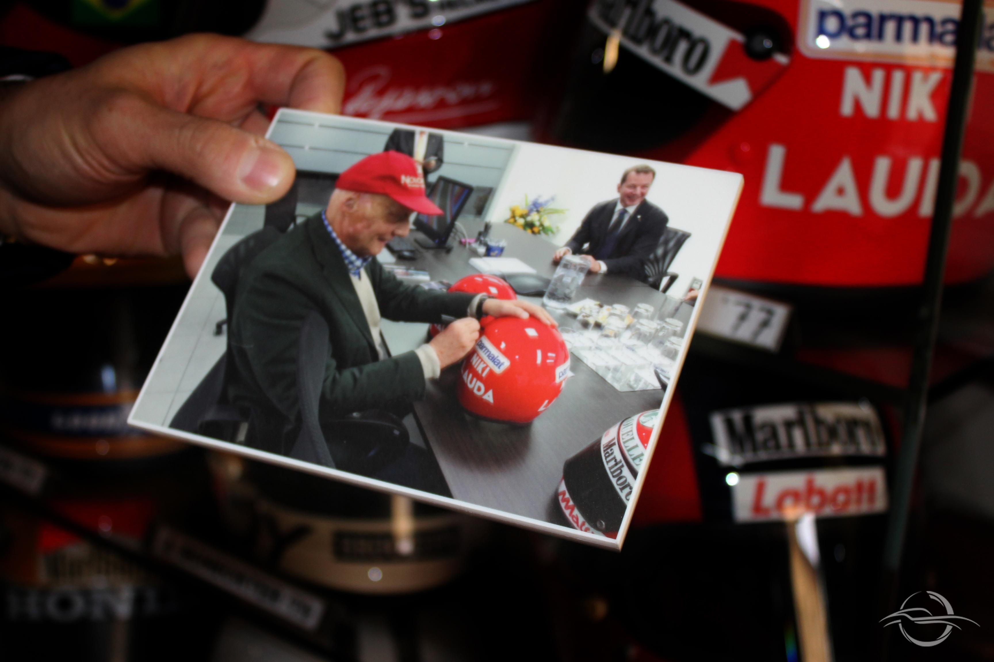 Lauda autografa riproduzione casco collezione Morselli