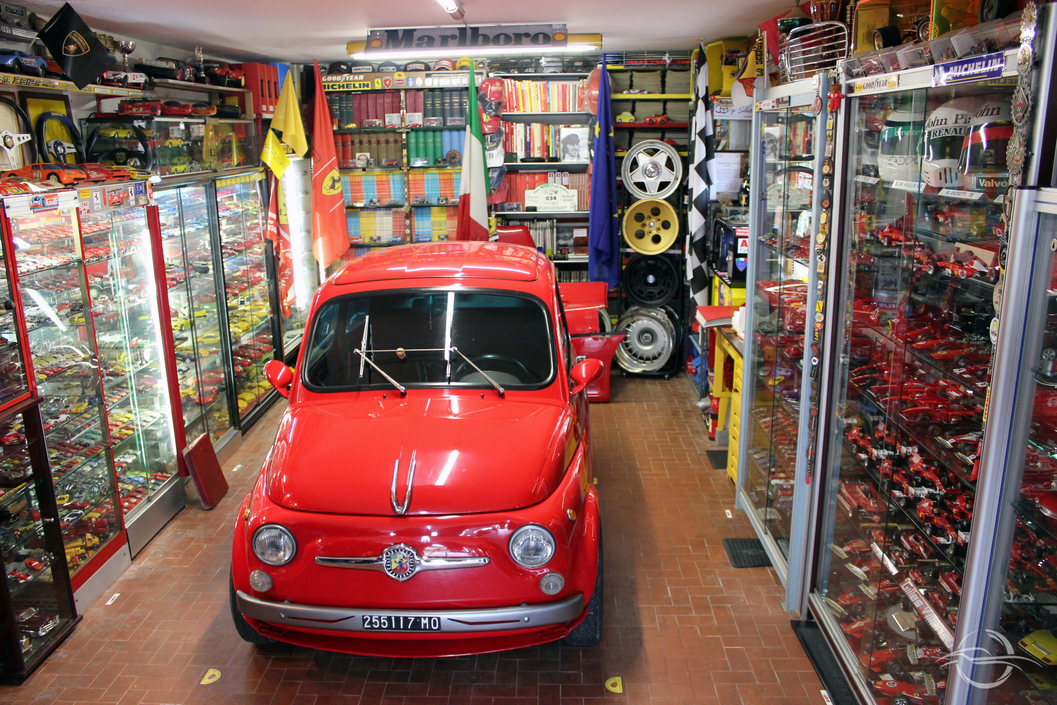 Morselli Fiat 500 rosso modena