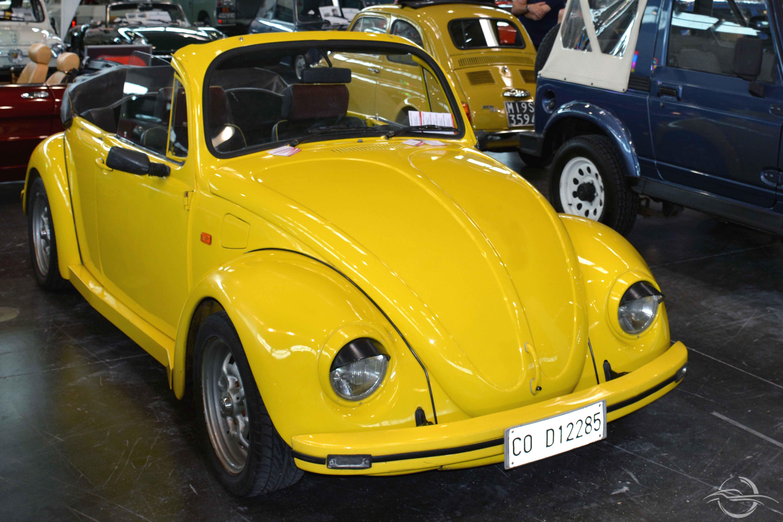 maggiolino volkswagen giallo